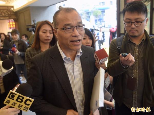 今天宣誓就任高雄市副市長的葉匡時(見圖)說,「高雄過去建了紅、橘線捷運是錯誤的」。(資料照)
