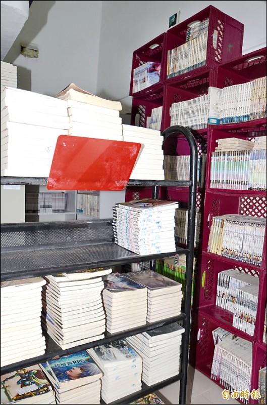 死囚陳文魁的藏書已逾2萬冊,南所運用1間舍房,改裝成小書庫。(記者吳俊鋒攝)