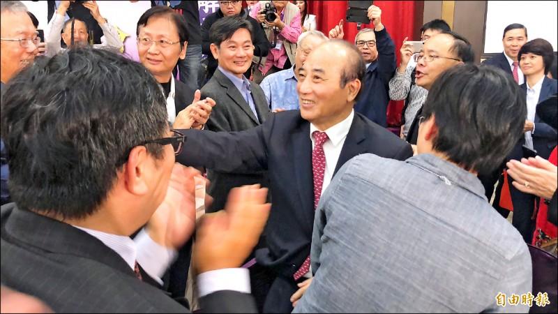 「王金平國會之友後援會」昨天成立,王金平進場時受到大批支持者簇擁。(記者陳昀攝)