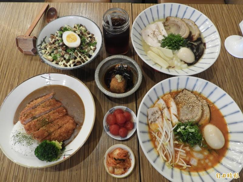 板橋松食堂為平價日式料理店,販售拉麵、丼飯與定食。(記者賴筱桐攝)