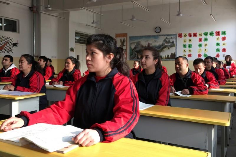 新疆再教育營。(路透社)