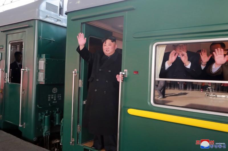 北韓領導人金正恩搭綠皮列車,長征4500公里,從平壤到河內。(歐新社)