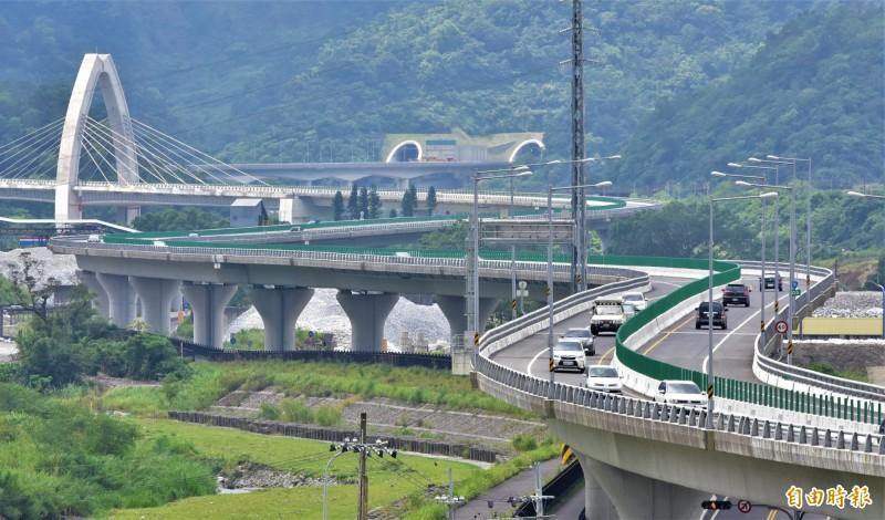 蘇花改2月9日的北上車流量1萬9000輛次,創下通車1年多來的新高紀錄。(資料照,記者江志雄攝)