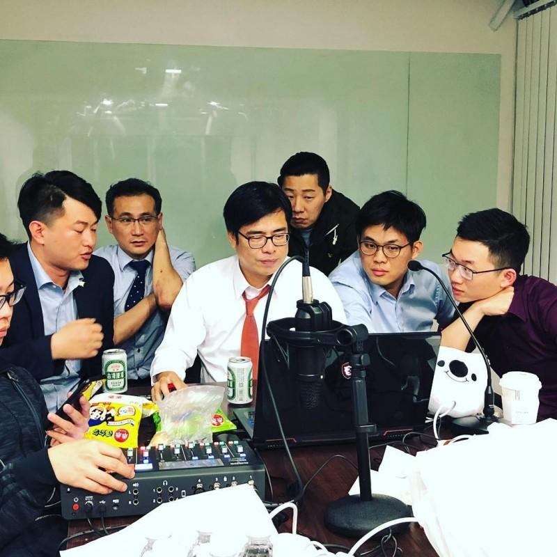 網紅星期天表示在與陳其邁直播《還願》後,自己的微博馬上被封鎖審核。(圖取自 星期天配音是對的 臉書專頁)