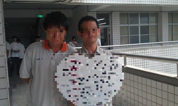林嫌(右)以玩電腦為由,誘騙男童到家中猥褻,高院今改判18年徒刑。(資料照)