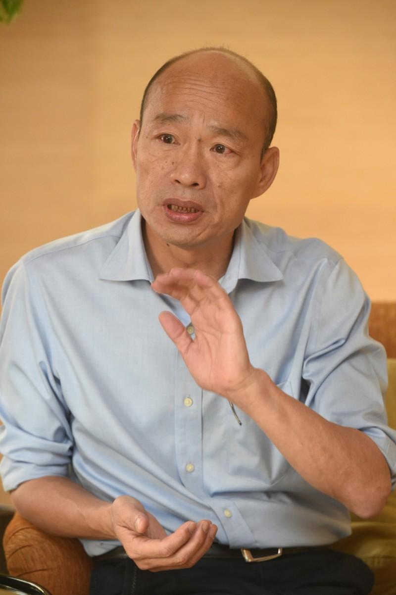 高雄市長韓國瑜(見圖)今天怒批農委會主委陳吉仲「沒水準」,還氣到反問陳吉仲是「是把我當屁嗎」?(資料照,記者張忠義攝)