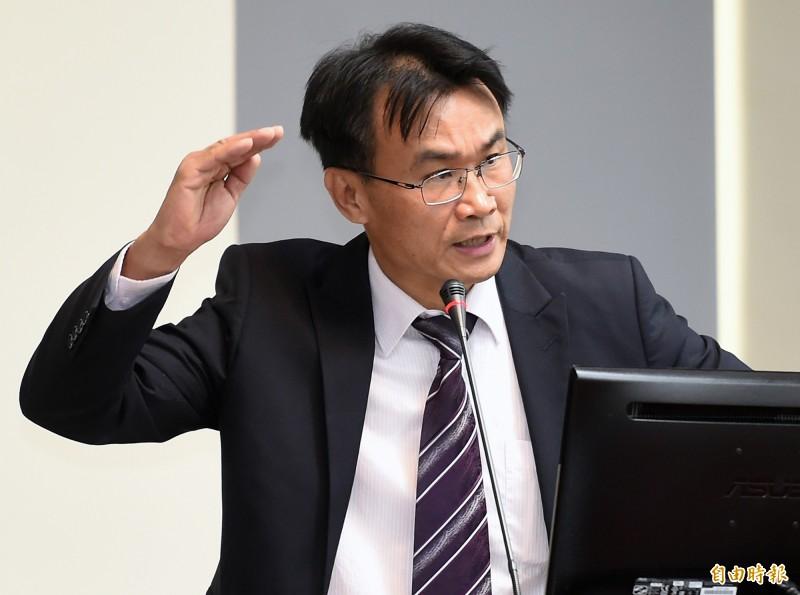 農委會主委陳吉仲27日赴立院經濟委員會報告並備質詢。(記者朱沛雄攝)