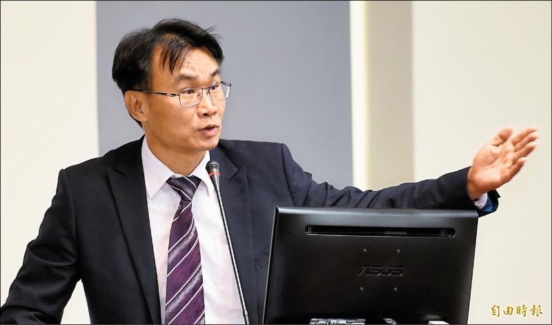 高雄市長韓國瑜日前宣布與新加坡兩大超市簽下農產新訂單,對此農委會主委陳吉仲表示,皆為既有通路。(記者朱沛雄攝)