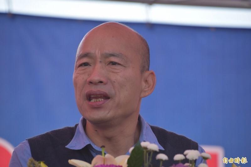 高雄市長韓國瑜日前到新加坡拚經濟,簽下3年3500萬的高雄農產訂單,卻被農委會主任陳吉仲酸這些早就是既有通路,讓他整個氣炸。(資料照)