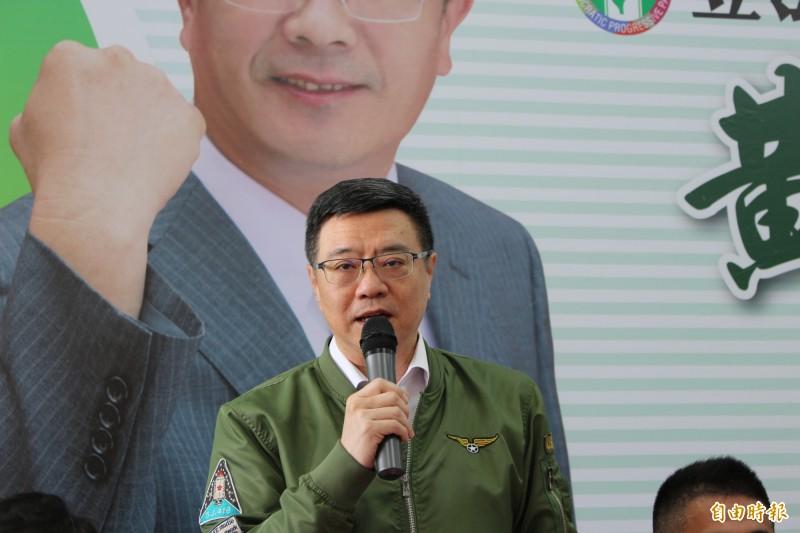 民進黨主席卓榮泰今天率領彰化縣黨公職進駐候選人黃振彥競選總部。(記者張聰秋攝)