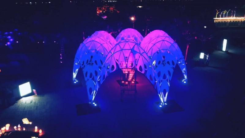 台灣燈會的海底世界的主燈「珊瑚之心」,1日獲得義大利國際設計大獎賽(A'design award 2019)的提名入圍。(圖擷取自京鷹國際照明工程有限公司臉書)