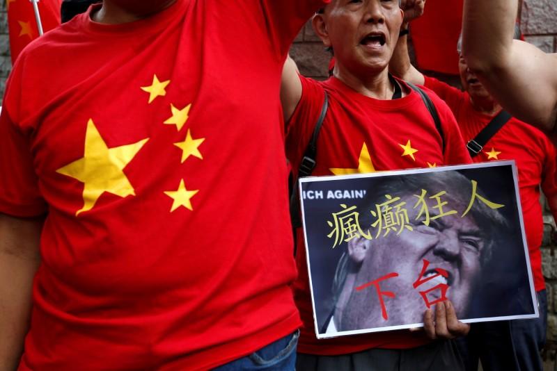 對此,專責香港外交事務的中國外交部駐港公署向美方提出嚴正交涉,聲稱香港「一國兩制」、「港人治港」的高度自治方針成功實施;港區人大代表陳勇也要求唐偉康向「全香港市民、全中國人民道歉」。(路透)