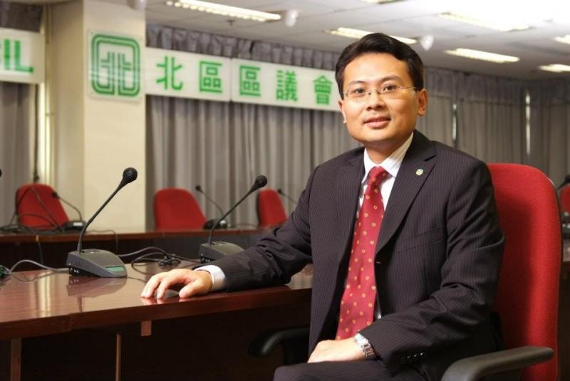 港區人大代表陳勇(見圖)「英美不分」,要英國對「向香港人和中國人民道歉」,結果發現自己搞錯對象。(圖擷取自facebook)