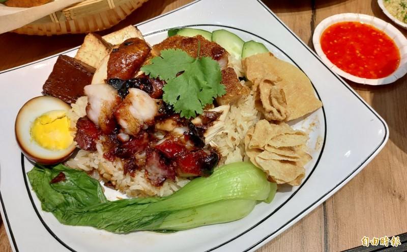 醬油雞與叉燒、燒肉三拼同時吃到三種美味。(記者張菁雅攝)