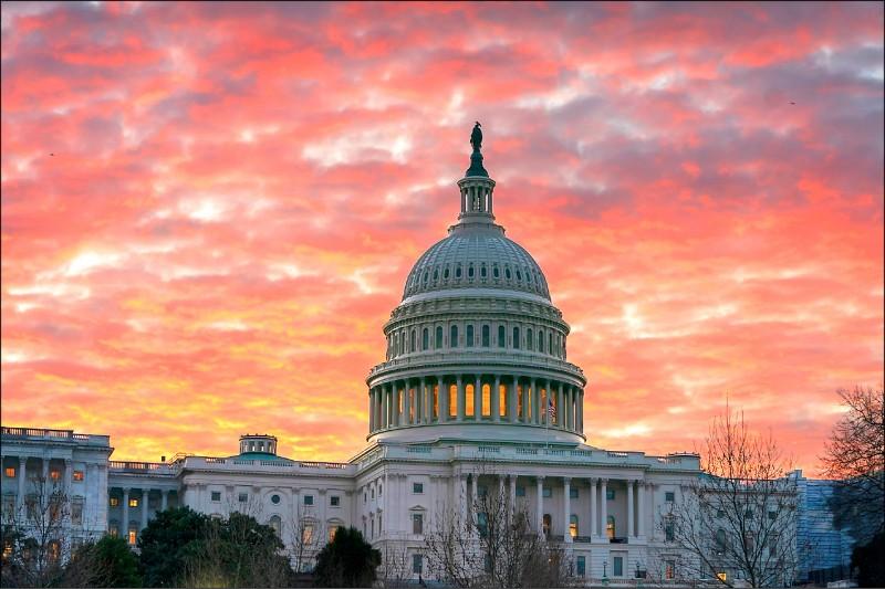 美國聯邦眾議院司法委員會四日正式去函八十一個公司團體與個人,對總統川普發動民主黨在今年一月重掌眾院後,最重大且公開的擴大調查。 (美聯社)