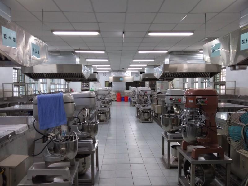 關山工商近日接獲合格證書,成為台東縱谷唯一乙級中餐烹調檢定場。 (記者王秀亭翻攝)