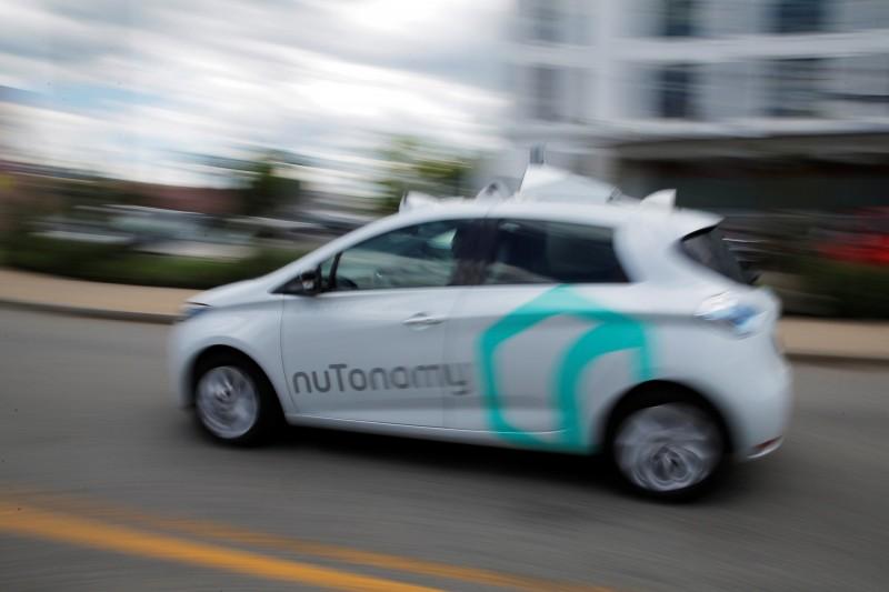 隨著科技的進步,有些汽車公司已經結合AI,推出無人自駕車。(路透)