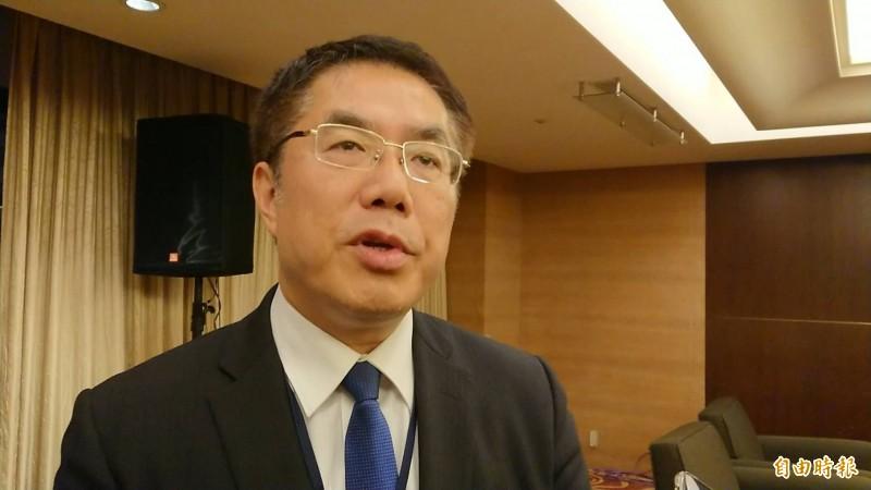 台南市長黃偉哲談今天立委補選候選人郭國文拜會前總統陳水扁大概情形。(記者洪瑞琴攝)