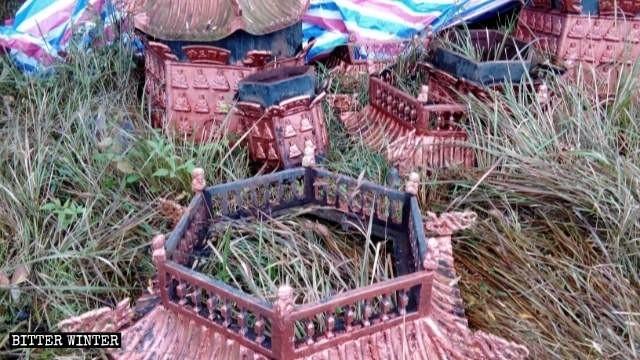 安徽省池州市青陽縣西峰庵的香爐被毀。(取自《寒冬》雜誌網站)