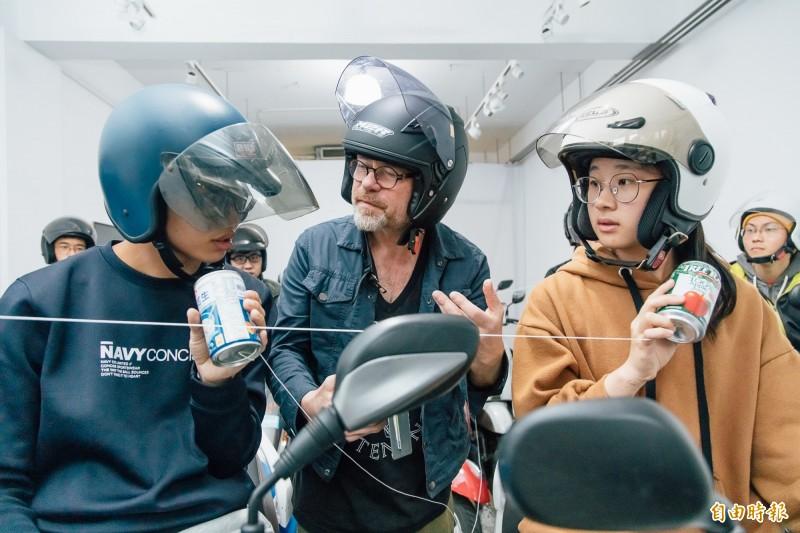 台灣摩托車讓國際藝術家震驚揪年青人騎車進畫廊 生活 自由時報電子報