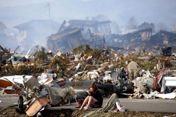 2011年日本311地震災情慘重,日本至今感念台灣當時捐款。(路透)