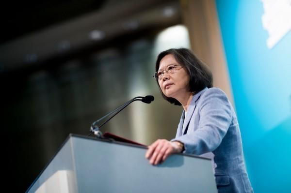 蔡英文表示,「我代表台灣人民嚴正的表達反對」中國的統戰目標。(圖截自蔡英文臉書)