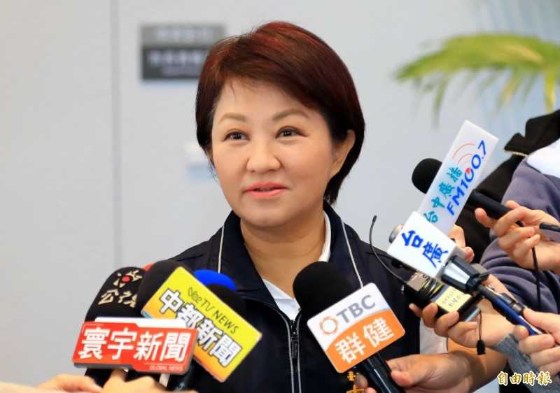 台中市長盧秀燕表示,總統蔡英文若不解決台中空污問題,她來台中交管不見得配合。(記者張菁雅攝)