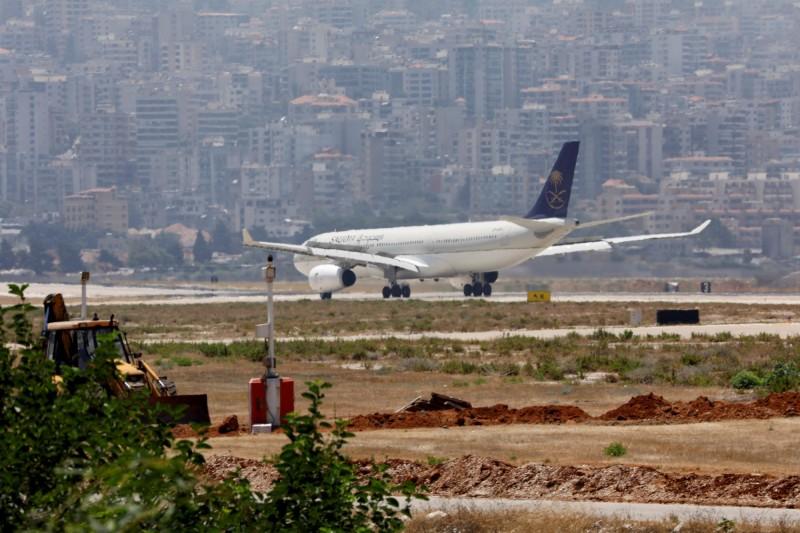 沙烏地阿拉伯航空一架班機起飛後突然折返,原來是機上的一名媽媽把嬰兒忘在候機室。沙國航空客機示意圖。(路透)