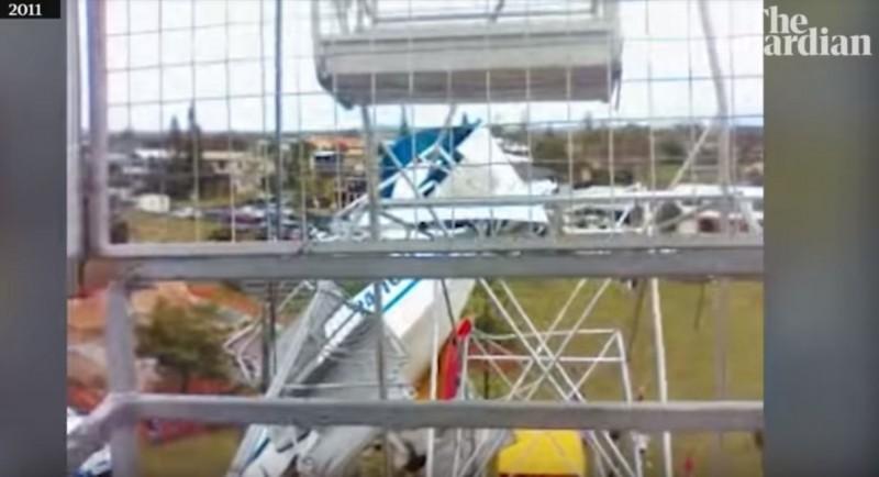 澳洲一對姐弟8年前搭乘摩天輪時目睹被小飛機撞上,兩人內心因此產生了很大的陰影,當時驚險一瞬間畫面近日曝光。(圖擷取自YouTube)