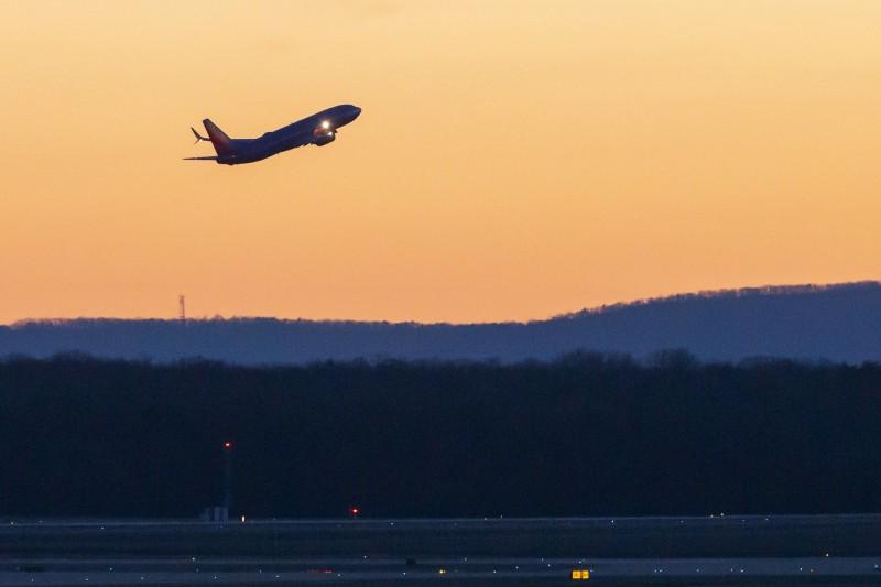 波音公司遇難,股價慘跌、全球約43國停飛737 MAX飛機。(歐新社)