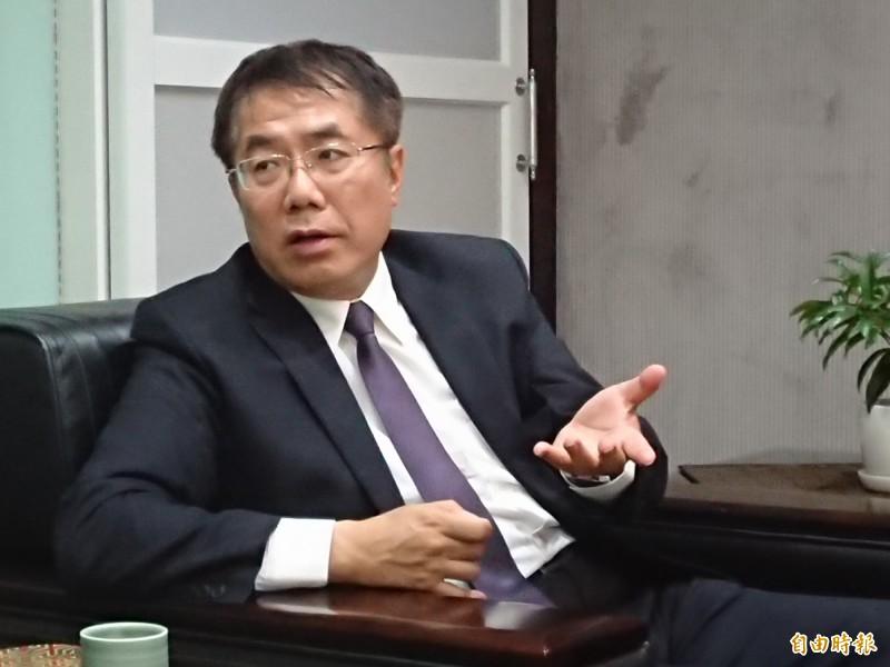 台南市長黃偉哲今日呼籲,別讓政治訂單破壞麻豆文旦行情,若有散布傷害農民的不實謠言,將依法究責。(記者洪瑞琴攝)