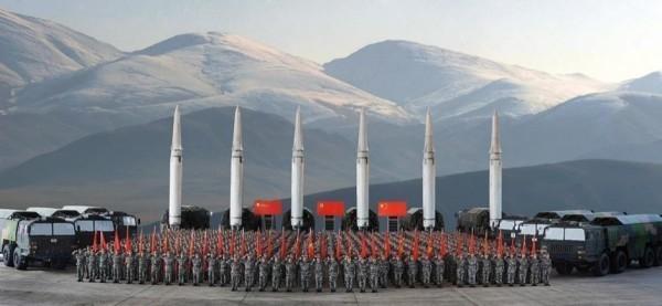湯姆.柯頓點出中國擁有的千枚飛彈危及整個太平洋地區。(圖擷取自中國國防部)