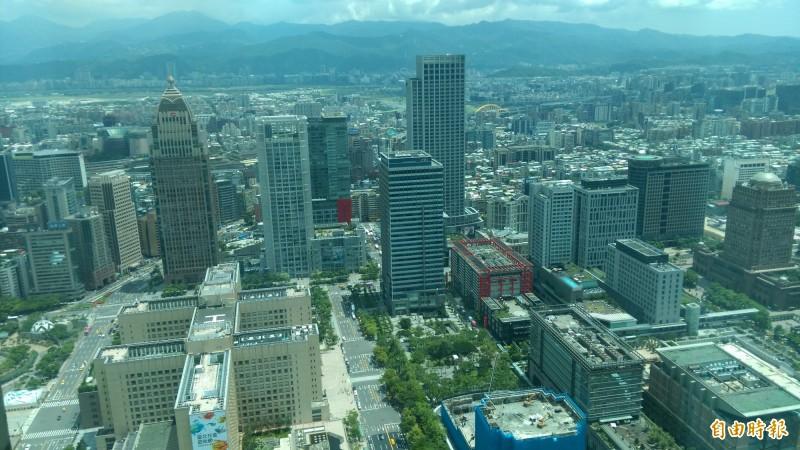 台北市地政局統計,截至今年3月13日止,北市因未辦繼承登記被列冊管理的土地、建物,照2019公告土地現值計算,竟高達561億餘元。(資料照)