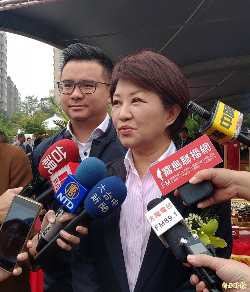台中市空品不佳,市長盧秀燕抗議台中火力發電廠降載竟比北部電廠少。(記者張菁雅攝)
