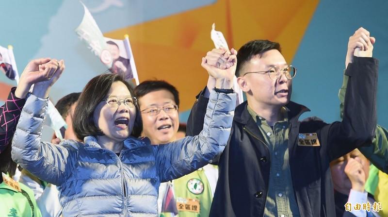 林飛帆(右)認為,中國統戰手法已經改變,直接滲透台灣民間組織。(資料照)