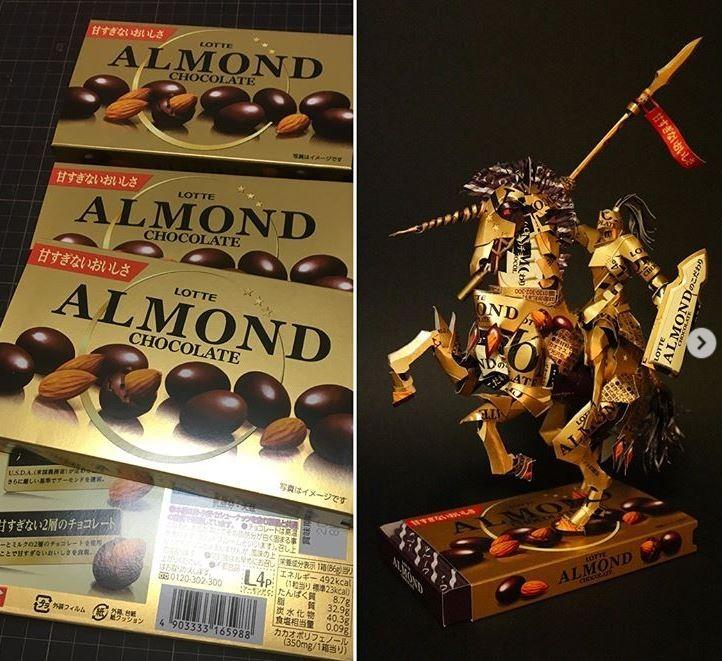 日本網友用巧克力外盒做出來的騎士紙雕。(圖擷自IG)