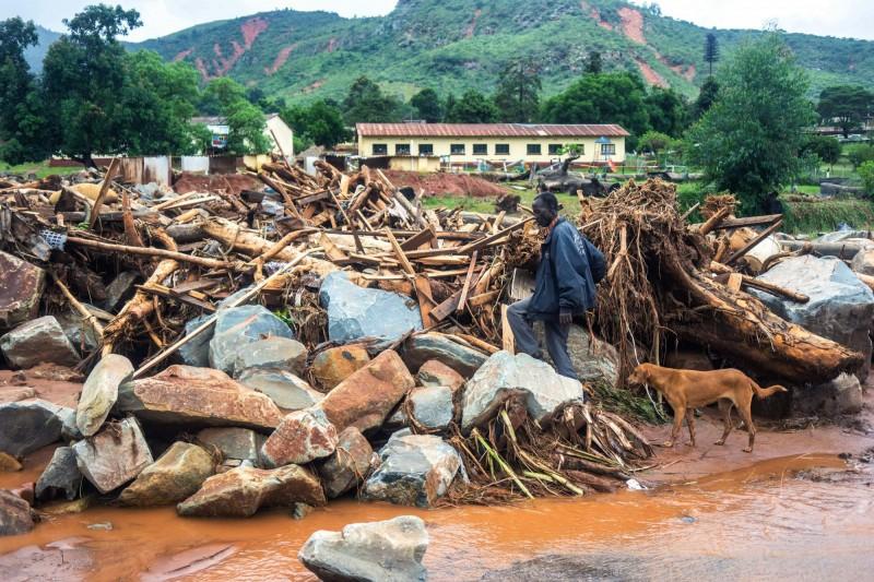 熱帶氣旋伊代(Idai)侵襲莫三比克,總統紐西(Filipe Nyusi)透露可能會有上千人罹難。(法新社)