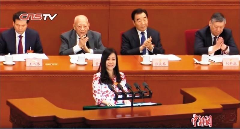 台灣出生、17歲移居香港的台籍中國政協委員凌友詩,日前在中國兩會用高八度的語調對中國歌功頌德,卻在會中博得全場熱烈掌聲。(資料照)