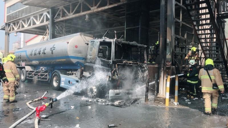 林園工業區傳火警 槽車被燒毀