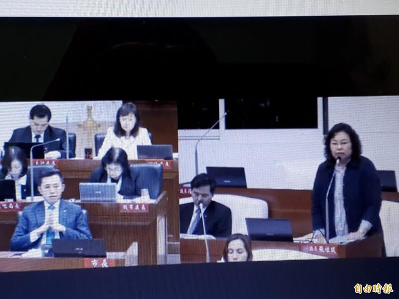 新竹市議員張祖琰(右)說,每個議員應享有公平的資源,才不會因市府的好惡影響建議款的運用。。(記者洪美秀攝)