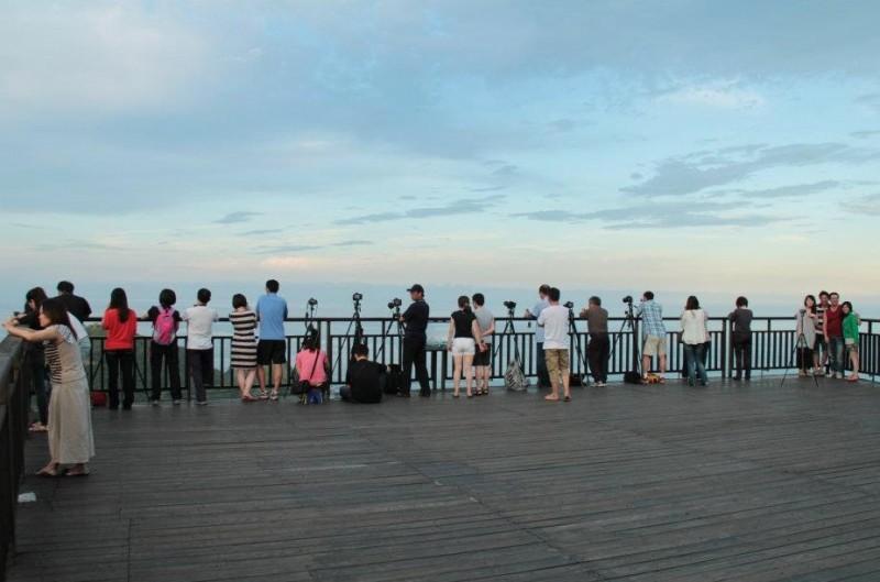 南方澳觀景台可遠眺太平洋、南方澳漁港風景,是蘇花公路視野極佳的觀景位置。(讀者提供)