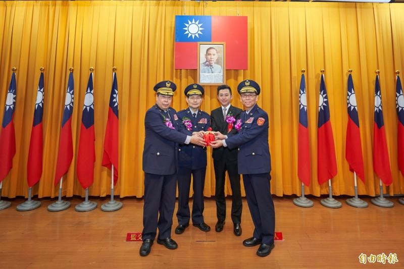 竹市新舊任警局長交接 林智堅:逐年補充警力「編好編滿」
