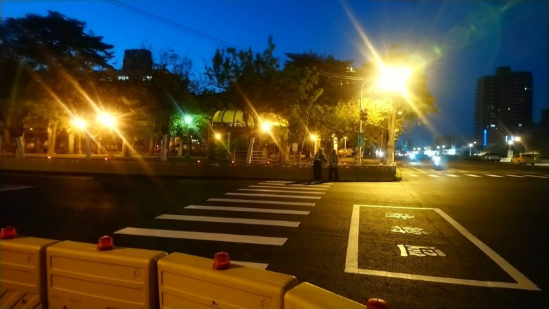 青海路域間照明完成改善。(記者王榮祥翻攝)