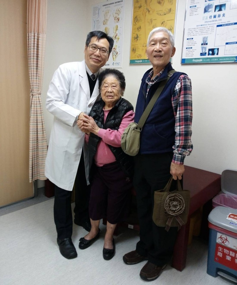 醫病》人瑞跌倒骨折 術後慶幸「不用臥床忍受疼痛了!」