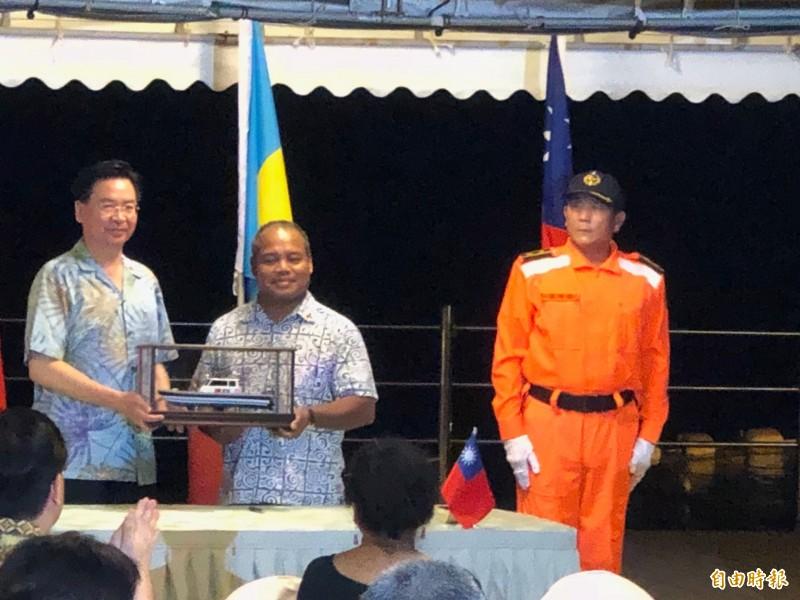 台帛簽署海巡合作協定。(特派記者蘇永耀攝)