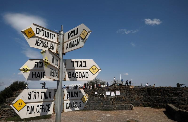 戈蘭高地(見圖)位在敘利亞西南部,由於戈蘭高地西面與以色列相接,居高臨下的地勢讓以色列視為戰略要地,因此以色列在1967年的六日戰爭中出兵擊敗當地的敘利亞守軍,目前由以色列占據大部分區域。(法新社)