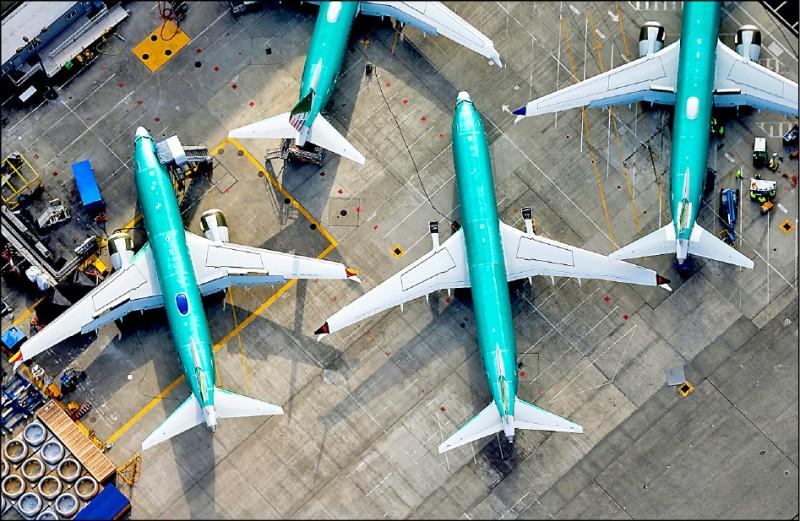 二十一日美國華盛頓州倫頓的波音工廠空照圖,可見幾架該公司的「737 Max」系列客機。(路透)