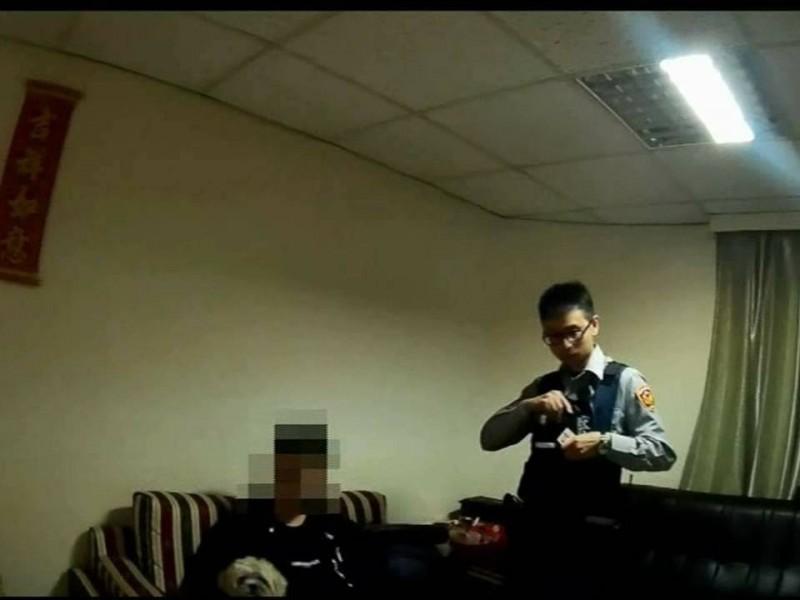 情侶為了毛小孩吵架報警 反被查出男友是通緝犯