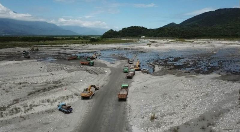 花蓮河川疏濬防洪 土石量達近百萬立方公尺