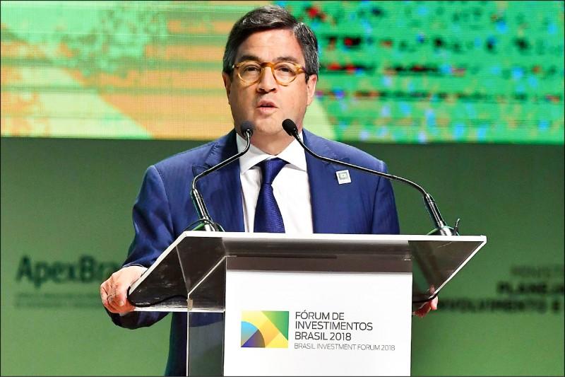 原訂月底主辦美洲開發銀行(IADB)理事會年會的中國,不支持瓜伊多派代表參加會議,導致IADB執行董事會廿二日決定取消年會。圖為IADB總裁莫雷諾(Luis Alberto Moreno。(法新社檔案照)